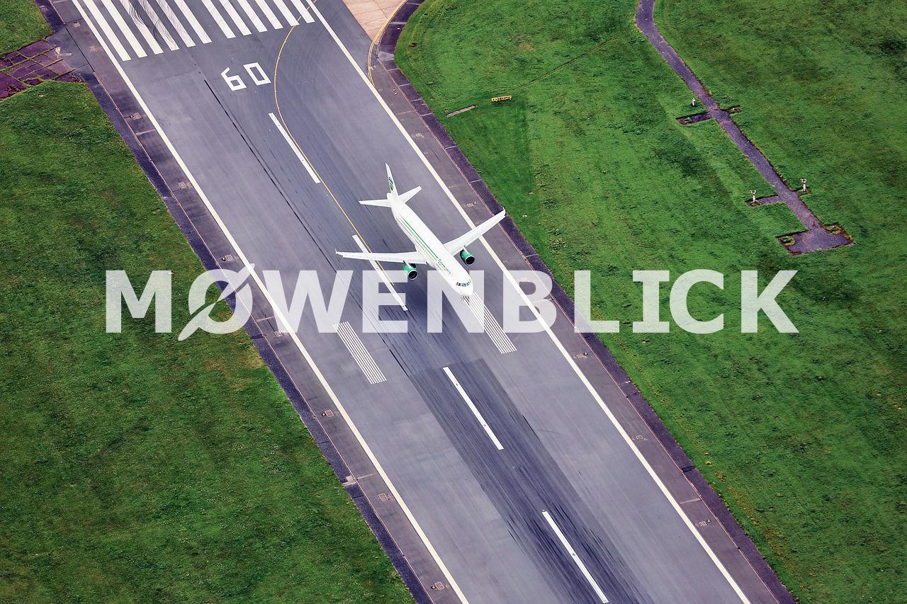 Landung Flughafen Bremen Luftbild