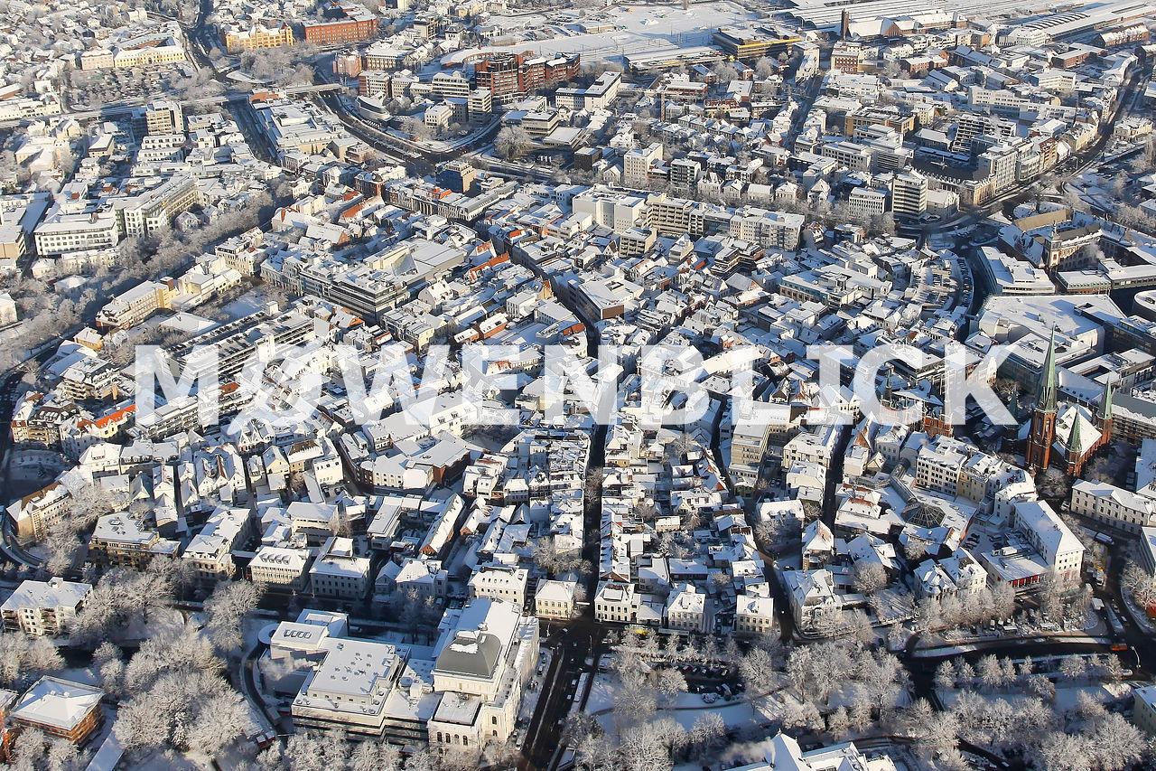 Innenstadt im Schnee Luftbild