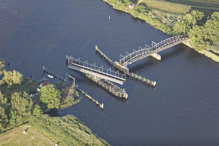 Luftaufnahme Eisenbahnbrücke über die Hunte