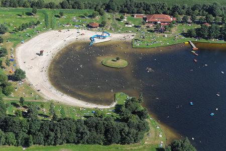 Luftaufnahme Großsander Badesee