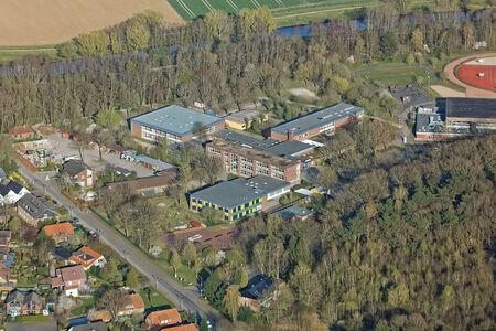 Luftaufnahme Schule