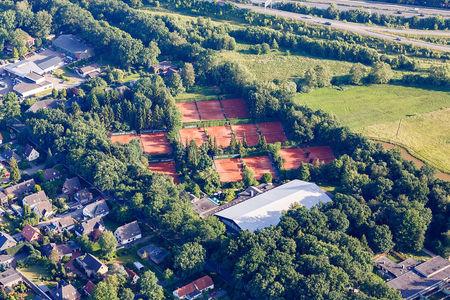Luftaufnahme Tennisplatz
