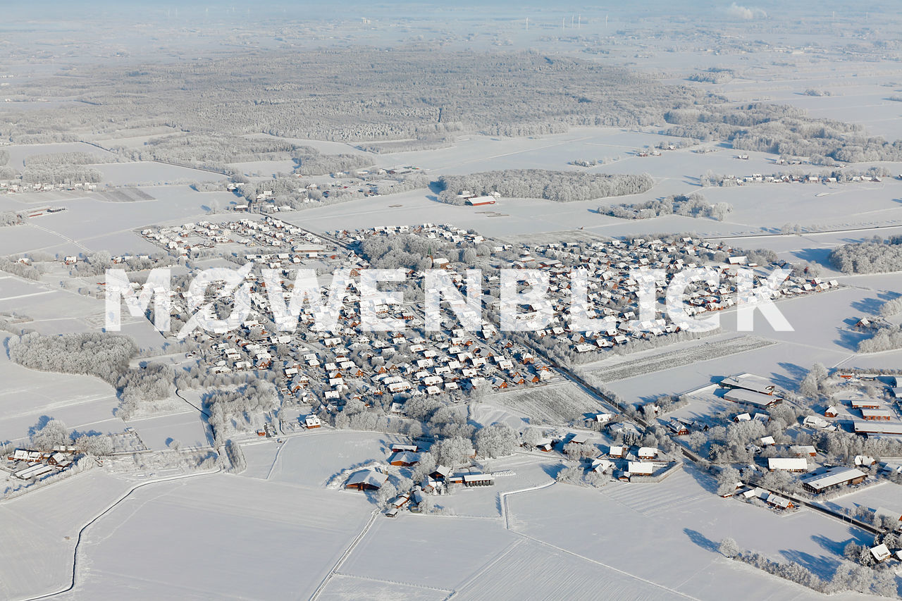 Ort Lutten im Schnee Luftbild
