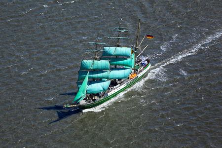 Luftaufnahme Segelschiff