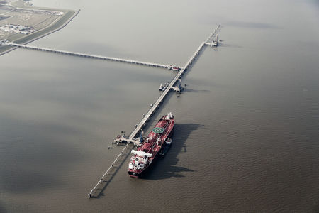 Luftaufnahme Ölhafen