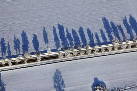 Luftaufnahme Straße im Schnee