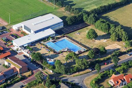 Luftaufnahme Freibad Schwarme