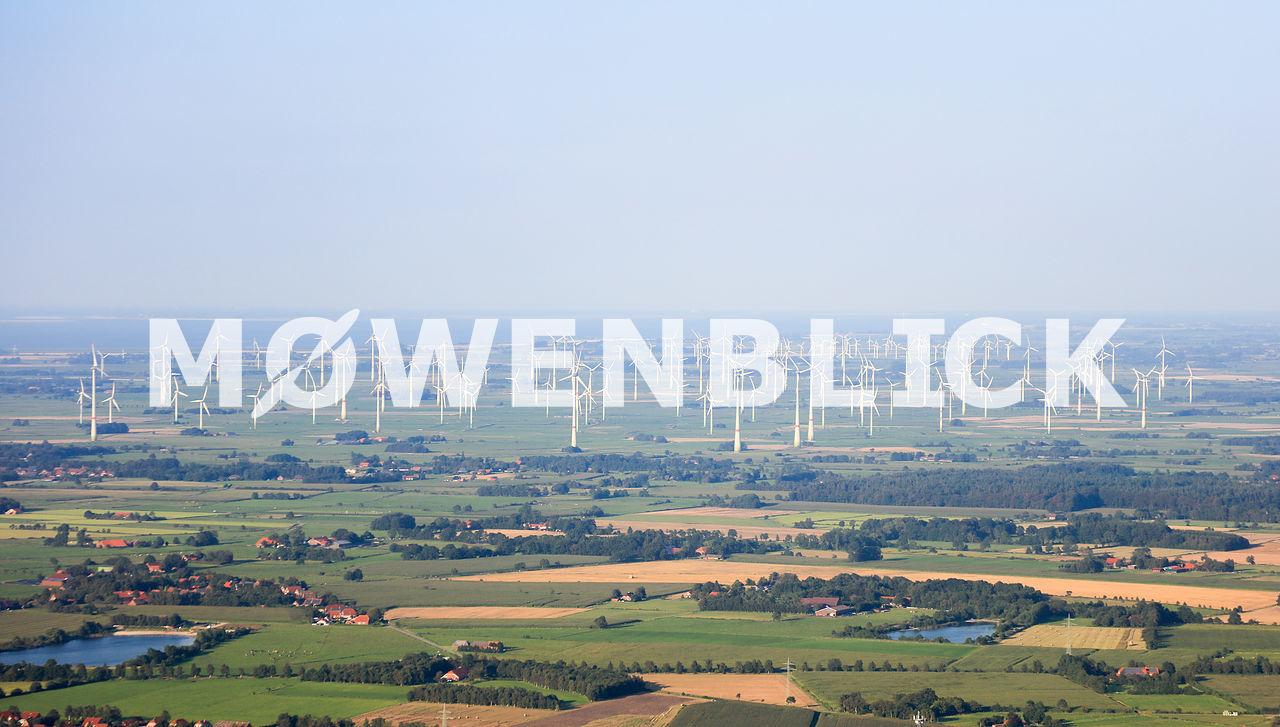 Windpark an der Nordseeküste Luftbild