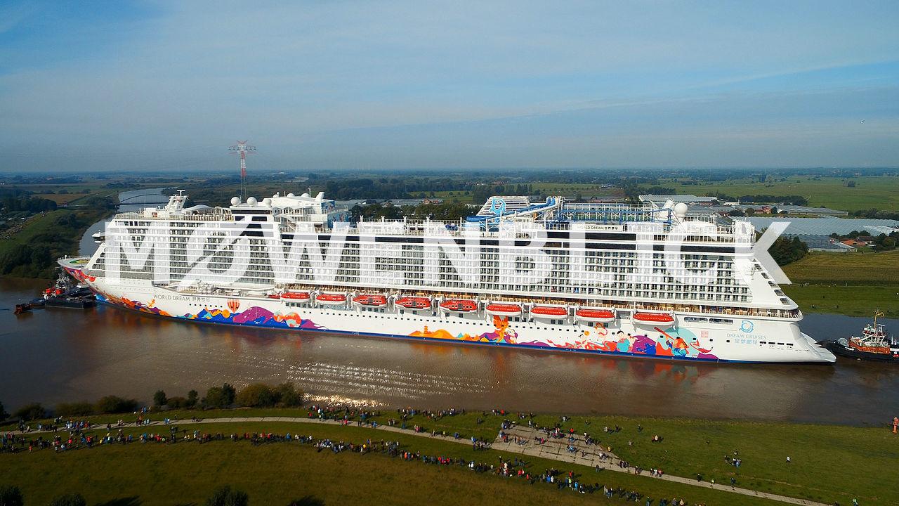 World Dream Kreuzfahrtschiff Luftbild