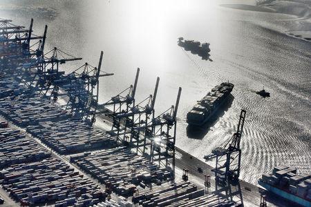 Luftaufnahme Hafenanlagen
