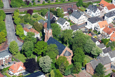 Luftaufnahme Stadtkirche Brake