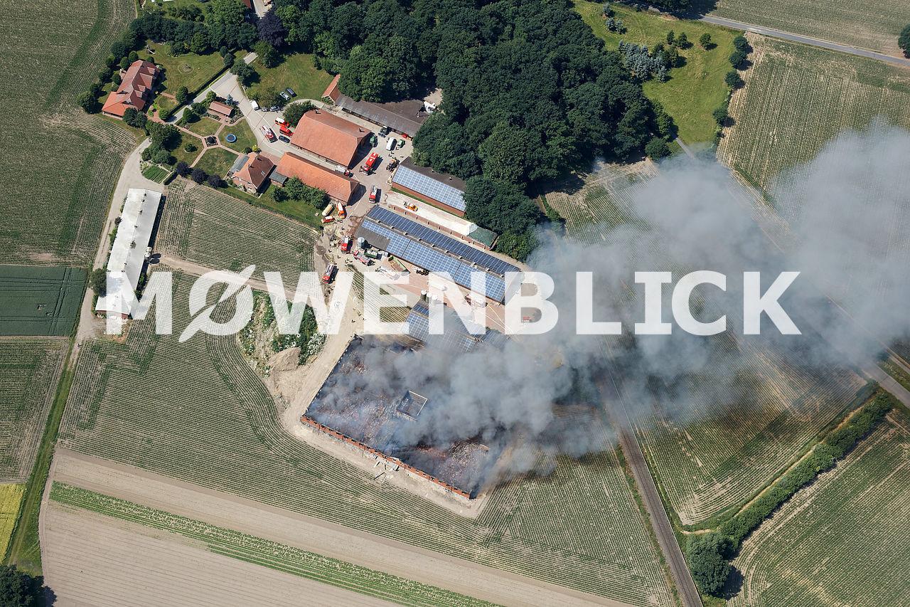 Neuer Schweinestall brennt Luftbild