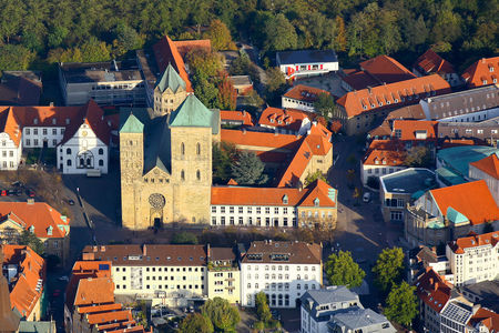Luftaufnahme Dom St. Peter Bistum