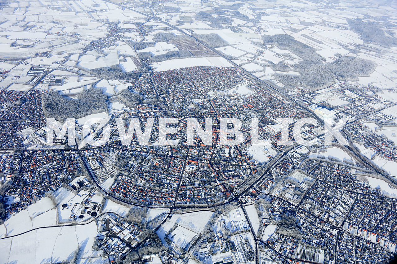 Die Stadt verschneit Luftbild