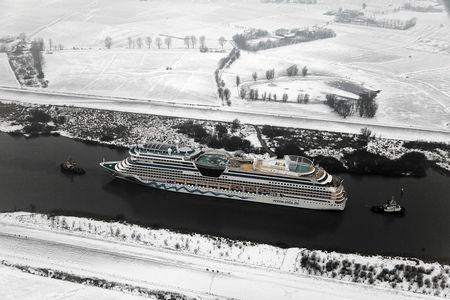 Luftaufnahme Kreuzfahrtschiff