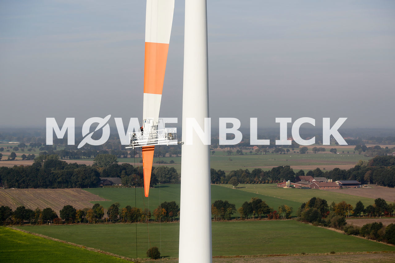 Windkraft Reparaturarbeiten Luftbild