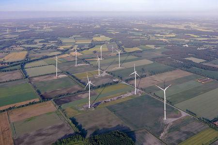 Luftaufnahme Hatter Landstraße Windpark