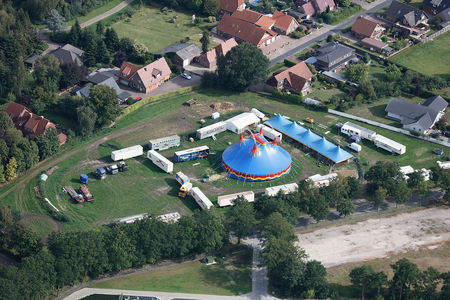 Luftaufnahme Zirkus