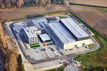 Luftaufnahme Firmenzentrale
