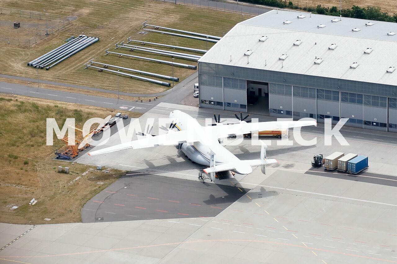 Weltgrößtes Propellerflugzeug Luftbild