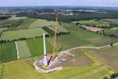 Luftaufnahme Aufbau Windenergieanlagen