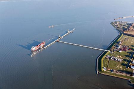 Luftaufnahme Der Ölhafen