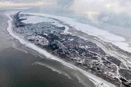 Luftaufnahme Verschneite Insel