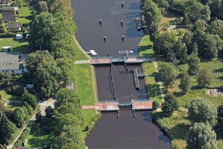 Luftaufnahme Schleuse Ems-Jade-Kanal